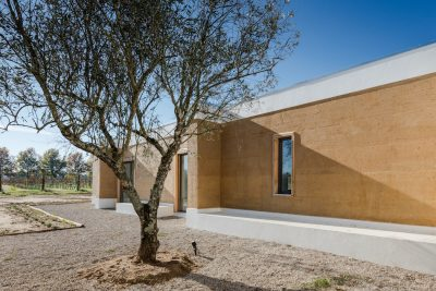 a Minimal House in Portugal Surrounded by Vines