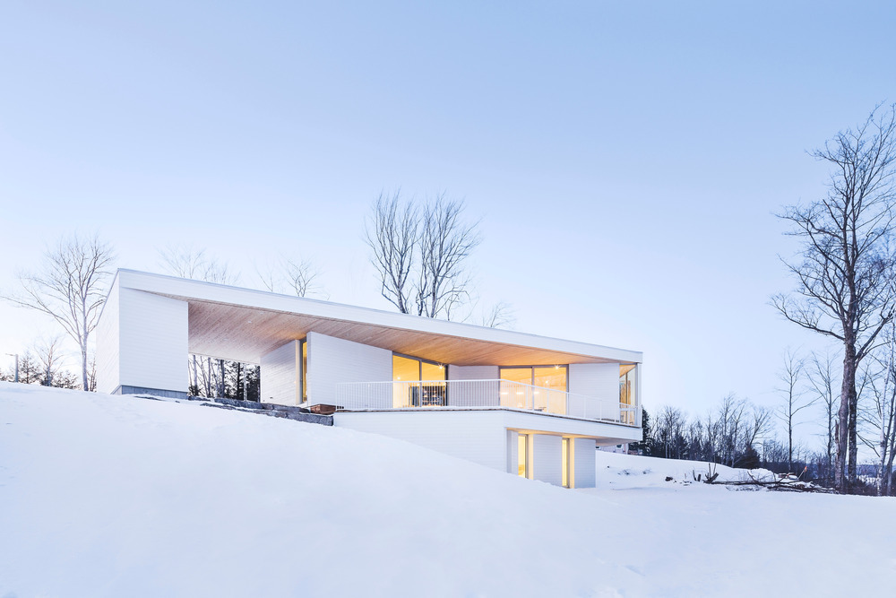 Nook Residence by MU Architecture Blends with Winter Landscape