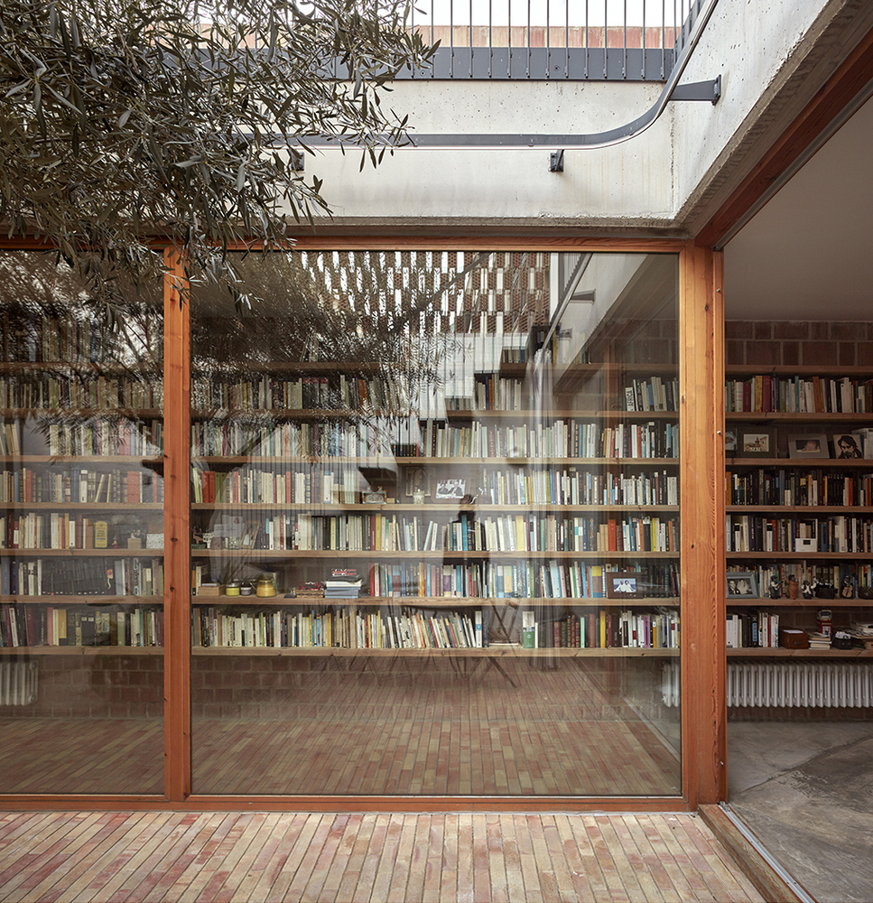 there are two courtyards in this awesome casa designed by gradoli sanz arquitectos 14 There are Two Courtyards in this Awesome Casa Designed by Gradolí & Sanz arquitectos