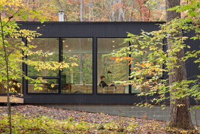 Black House Hidden In The Forest By in situ studio