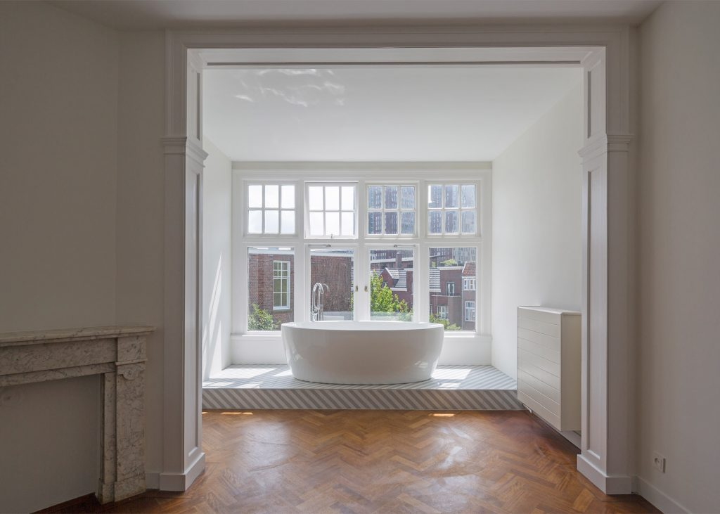 herringbone parquet was used in this dutch townhouse renovation by antonia reif 2 1024x731 Herringbone Parquet was used in this Dutch Townhouse Renovation by Antonia Reif