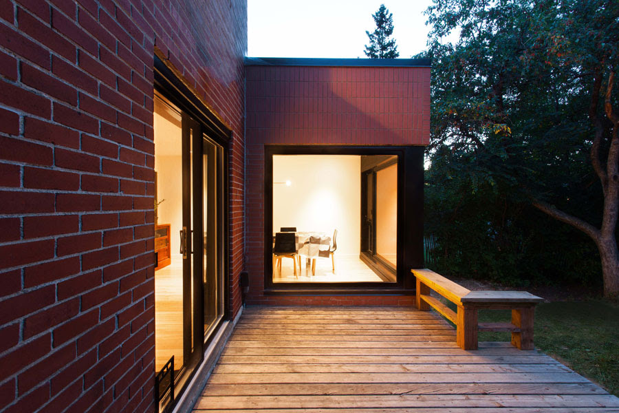 appareil architecture modernizes a modest post war house into a spacious residence 9 APPAREIL architecture modernizes a modest Post War house into a spacious residence