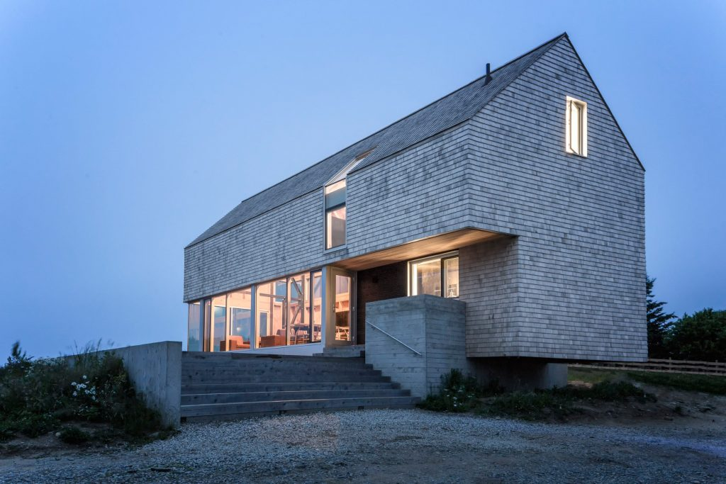 Dreamy Coastal House by Studio MacKay-Lyons Sweetapple