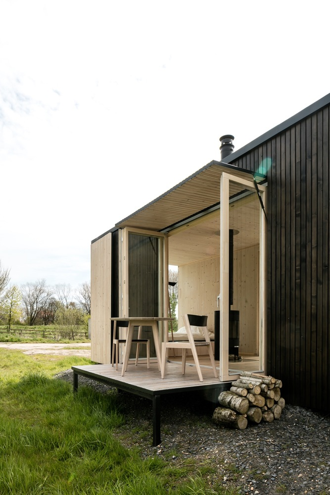 escape from the stressful city life with this awesome cabin 2 Escape from the stressful city life with this awesome cabin
