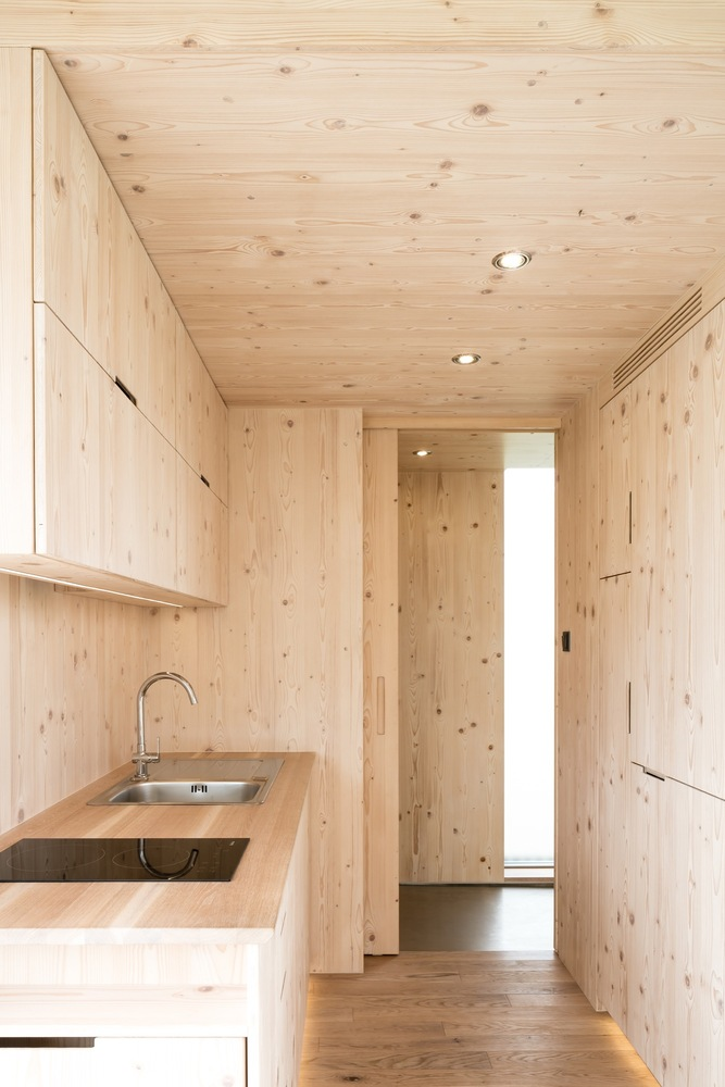 escape from the stressful city life with this awesome cabin 8 Escape from the stressful city life with this awesome cabin