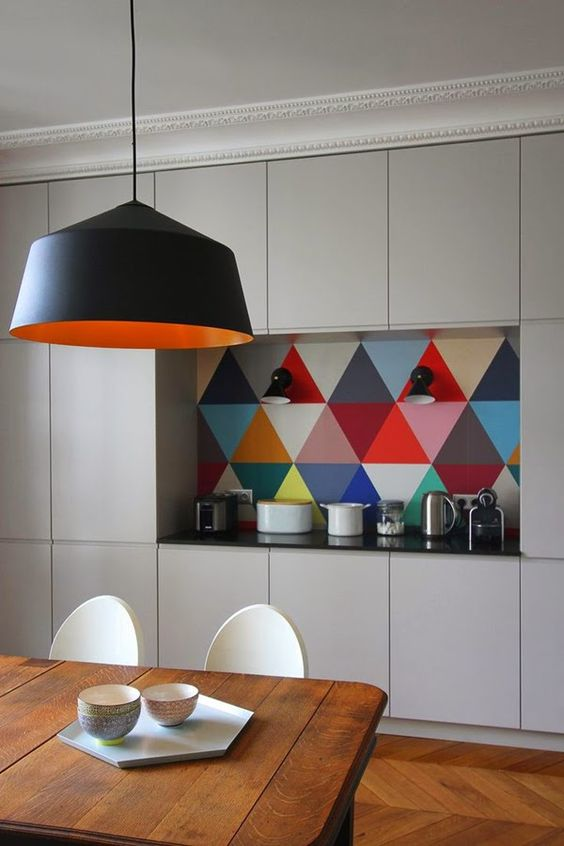 colorful triangles Dream kitchens   a collection of 35 most beautiful kitchens