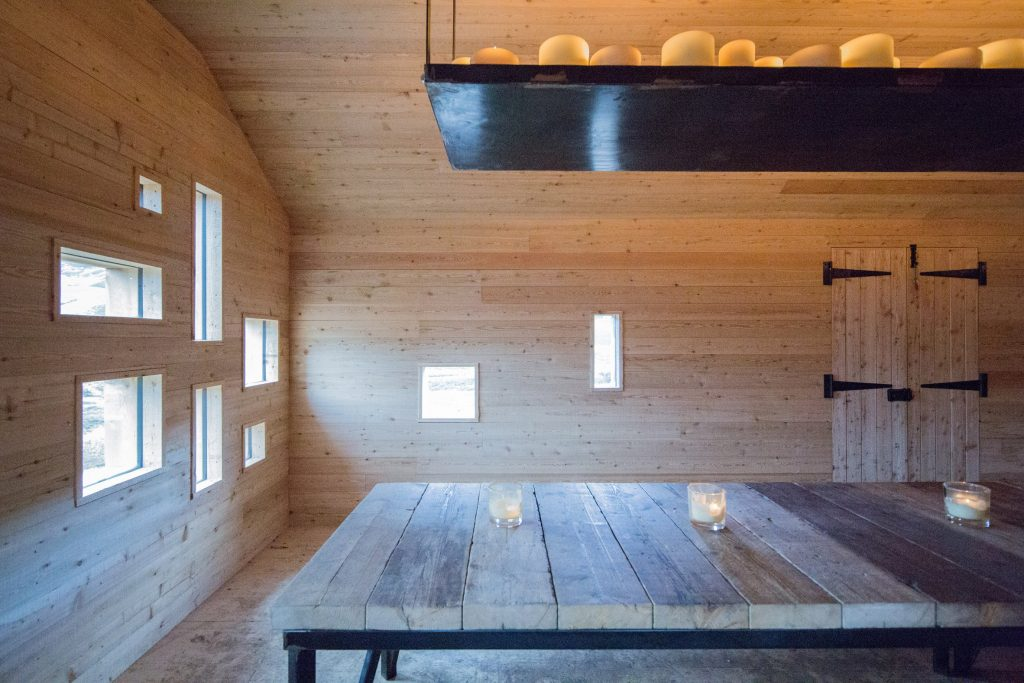 dreamy cabin in mountainous scottish landscape by moxon architects 5 1024x683 Dreamy Cabin in Mountainous Scottish Landscape by Moxon Architects