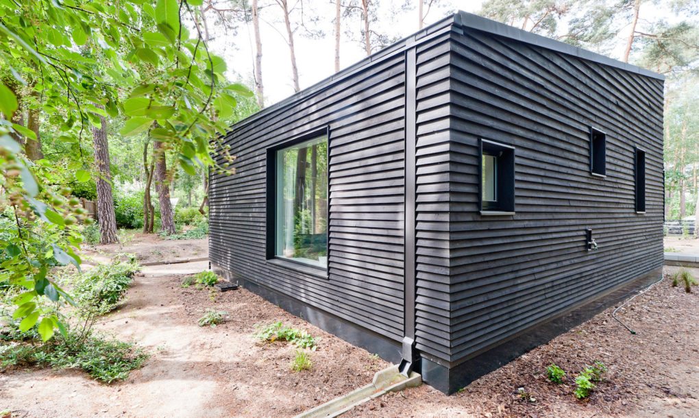 contemporary black cabin in the german woods 8 Contemporary black cabin in the German woods