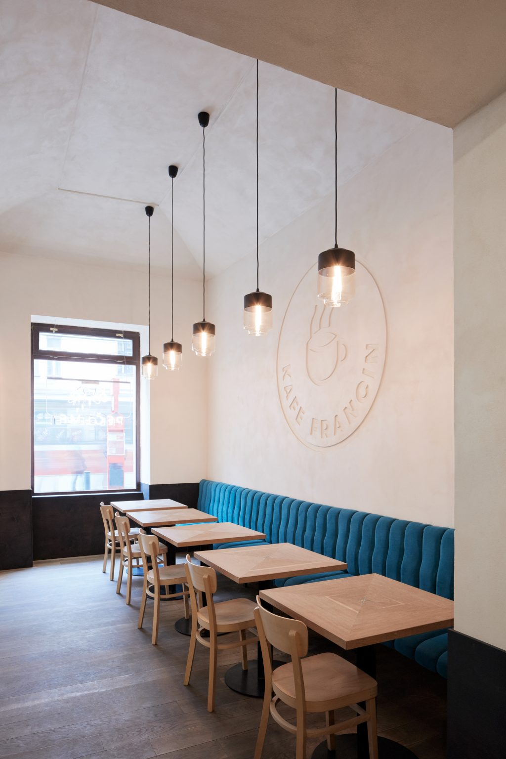 Kafe Francin by Studio DDAANN