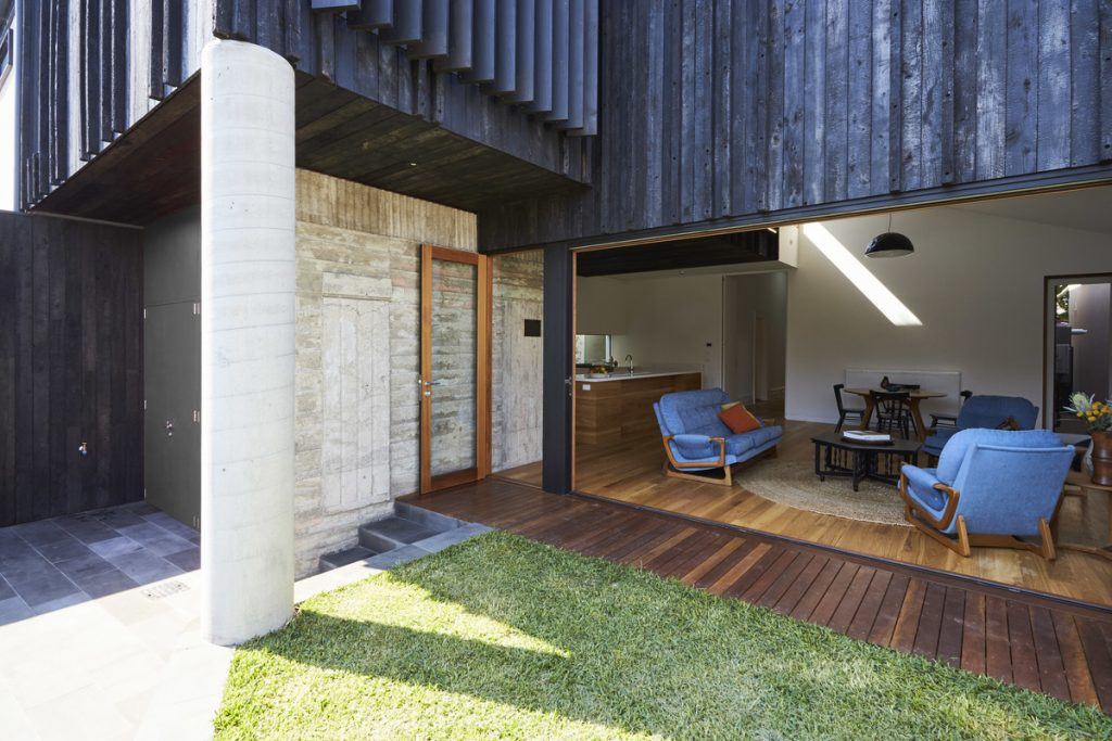 24769 back of house 1024x683 Albert Park House by Chiverton Architects
