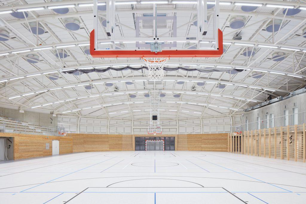 sporadical sportovni hala dolni bezany boysplaynice 21 1024x683 Dolní Břežany Sports Hall by SPORADICAL architects