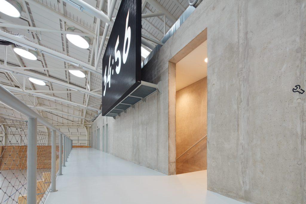 sporadical sportovni hala dolni bezany boysplaynice 24 1024x683 Dolní Břežany Sports Hall by SPORADICAL architects