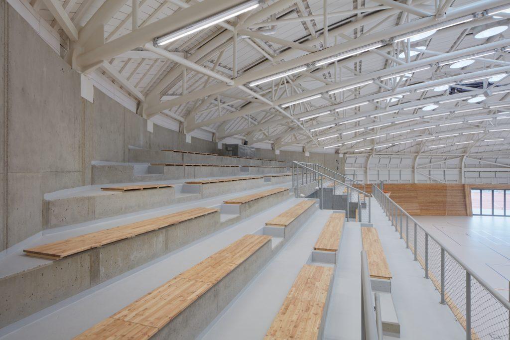 sporadical sportovni hala dolni bezany boysplaynice 25 1024x683 Dolní Břežany Sports Hall by SPORADICAL architects