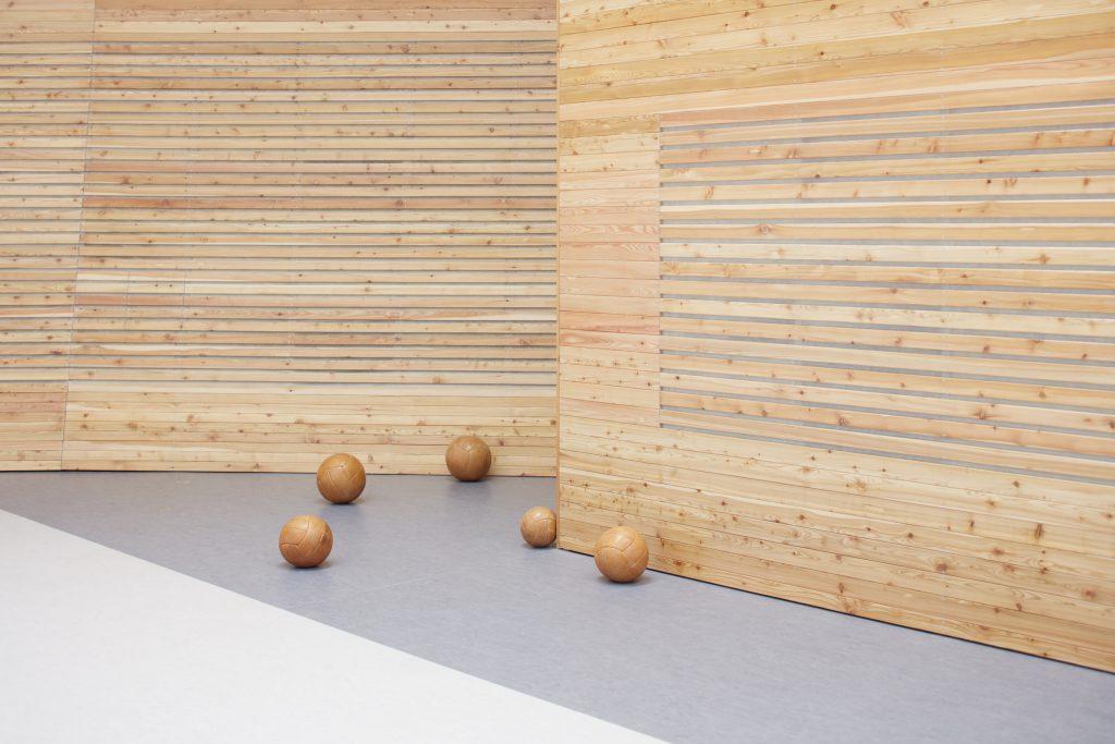 sporadical sportovni hala dolni bezany boysplaynice 27 1024x683 Dolní Břežany Sports Hall by SPORADICAL architects