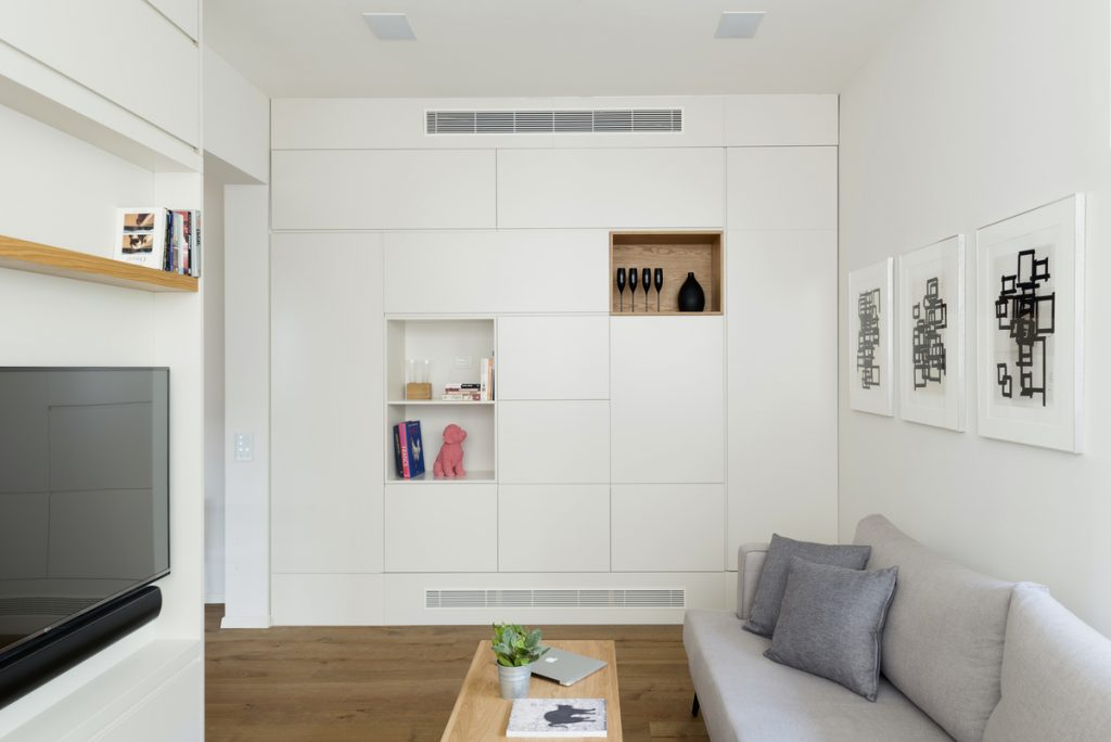 17039 living room  1024x684 59m² Apartment in Central Tel Aviv by XS Studio