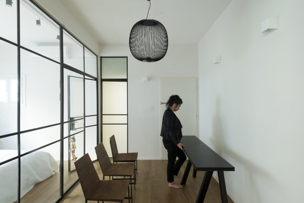 17048 entrance hall a 1024x684 59m² Apartment in Central Tel Aviv by XS Studio