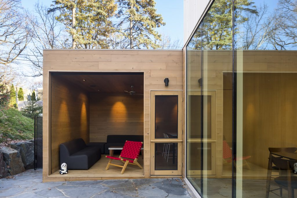 22917 exterior porch 1024x684 The Stack House By Lazor Office