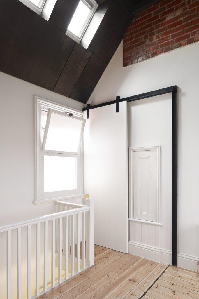 30774 doorclosed 683x1024 Queen Bess House by ZGA Studio