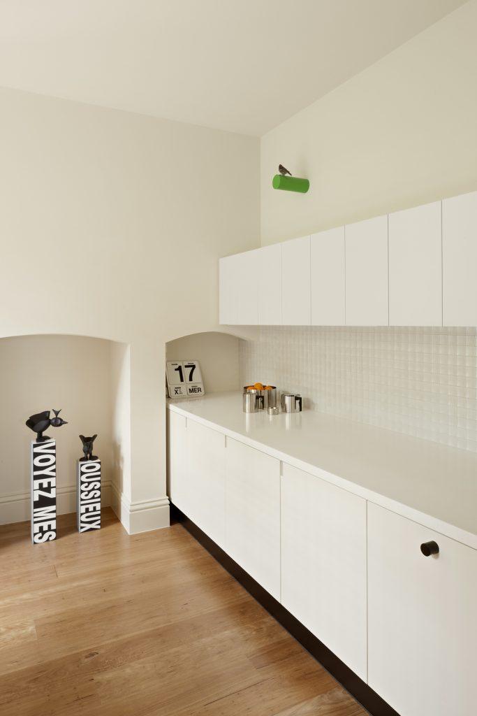30781 kitchenbench 683x1024 Queen Bess House by ZGA Studio