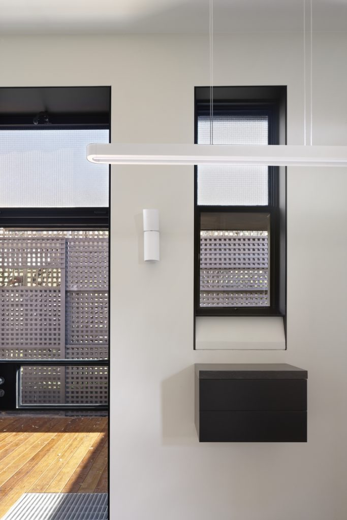 30790 kitchentocourty 683x1024 Queen Bess House by ZGA Studio