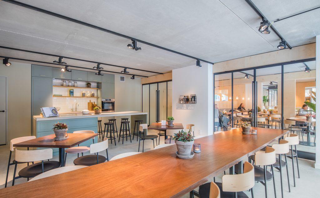 woutervandersar 18.022800 18 1024x634 SLA Amstelveenseweg – a Salad Bar by Standard Studio