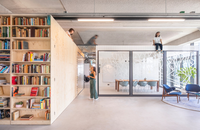woutervandersar 18052700 04 Shared Office Space in Amsterdam by Standard Studio