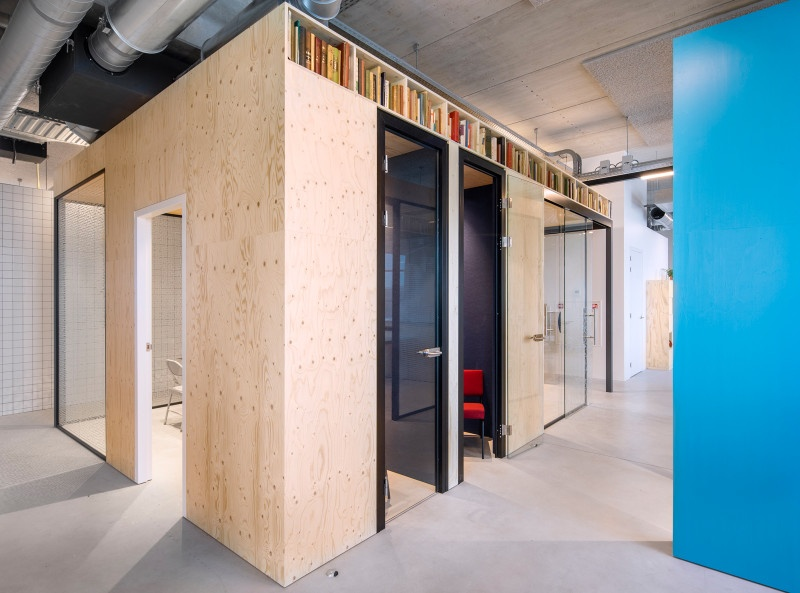 woutervandersar 18052700 18 Shared Office Space in Amsterdam by Standard Studio