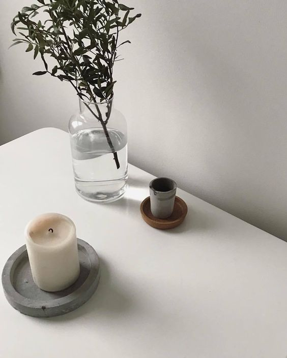 scented candle How to Keep Your Home Smelling Fresh