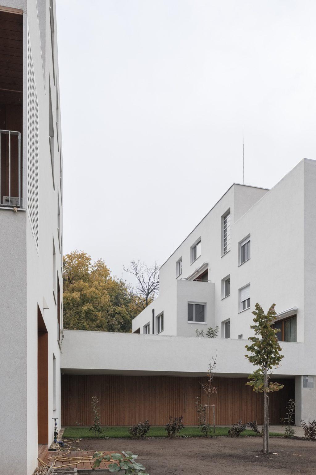Residential housing in Kőbánya by építész Stúdió