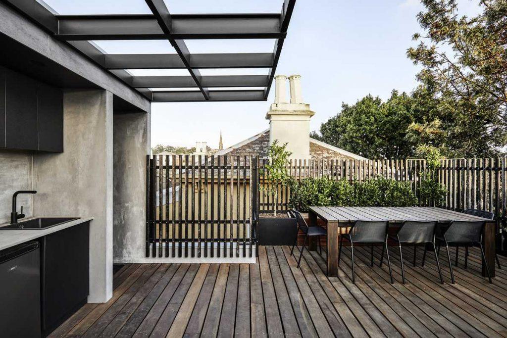 %name 1980's Mock Italianate Terrace Rebuild by Robert Nichol & sons