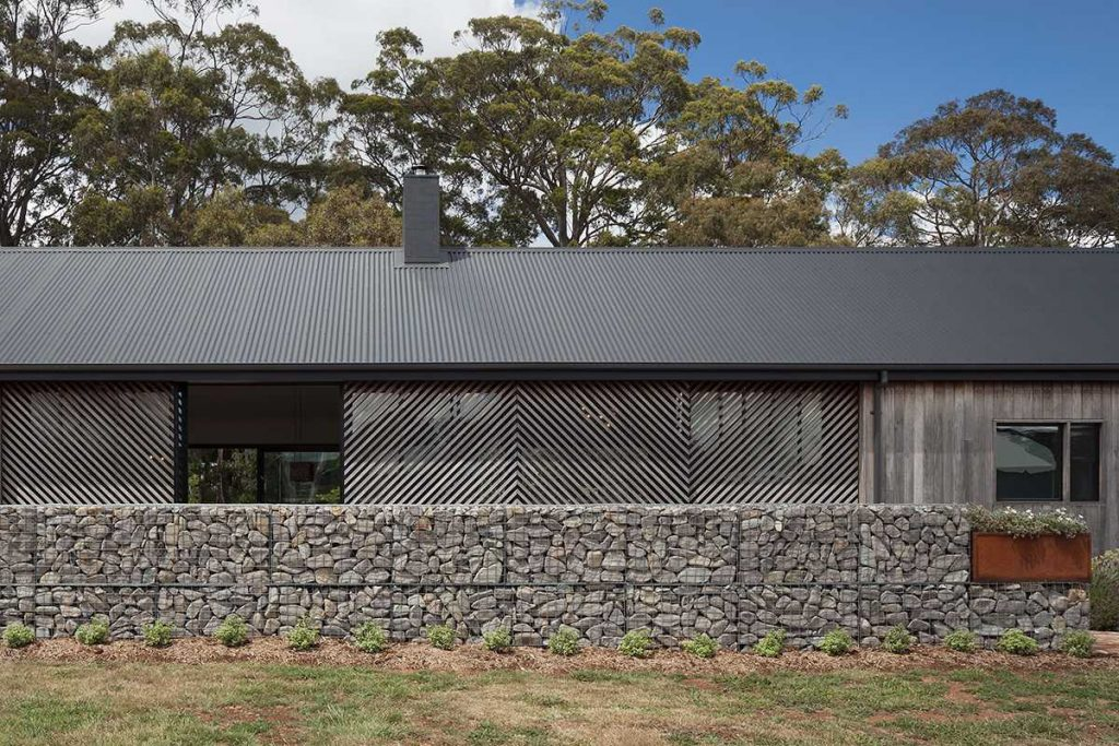 %name Trentham Long House by MRTN Architects