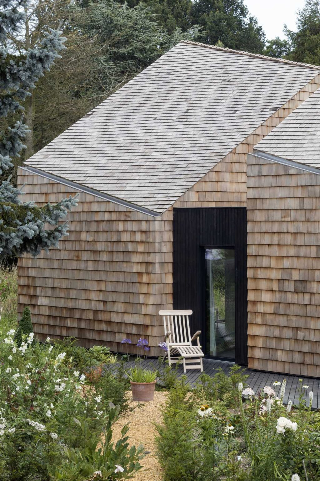 Barn B&B in Aldeburgh by Blee Halligan Architects
