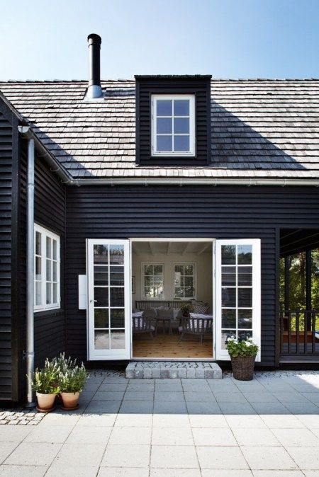 black house paint with white trim The Best Real Estate Rental Properties Courses To Consider