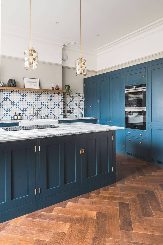 dark blue shaker style kitchen Ride the Geometric Wave: The Latest Home Design Trend