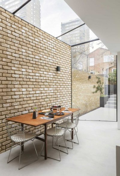 Structural glass prism was added to this townhouse in London