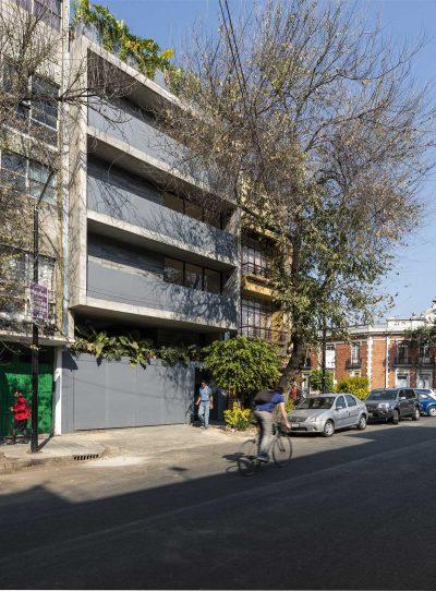 Edificio T35 by C2D architects