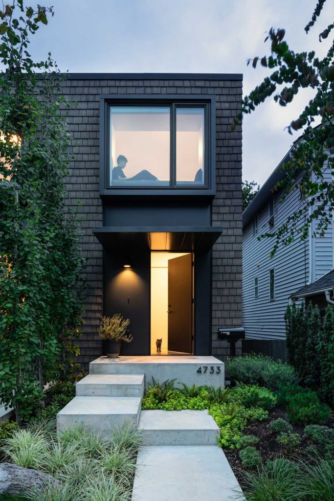 %name House With Two Bay Windows by DArcy Jones Architects