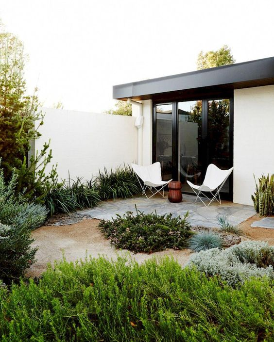 How to Create the Perfect Backyard for Your Peaceful Hideout