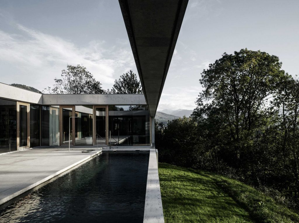 swimming pool in a concrete house 1024x764 Amazing Pools: 8 Most Beautiful Swimming Pools in the World