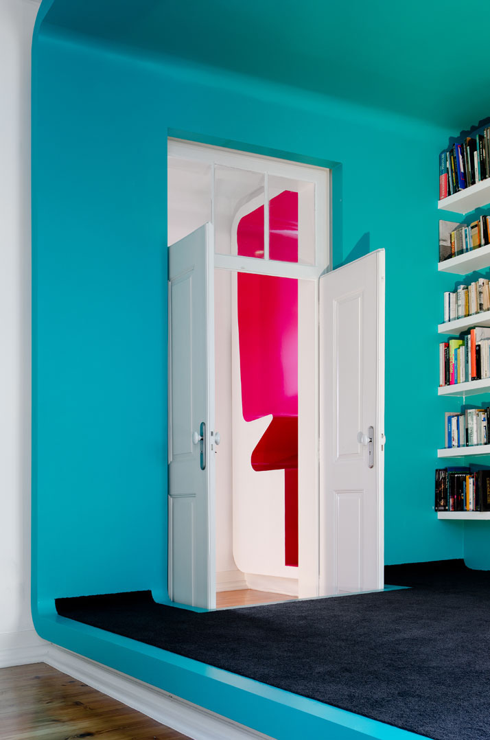 GMG House Pedro Gadanho 12 Multicolor and Contemporary Interior in Portugal