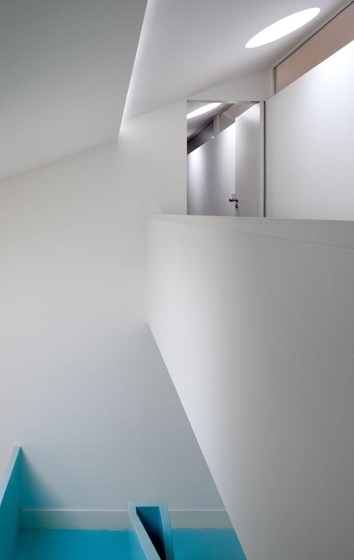 GMG House Pedro Gadanho 17 Multicolor and Contemporary Interior in Portugal