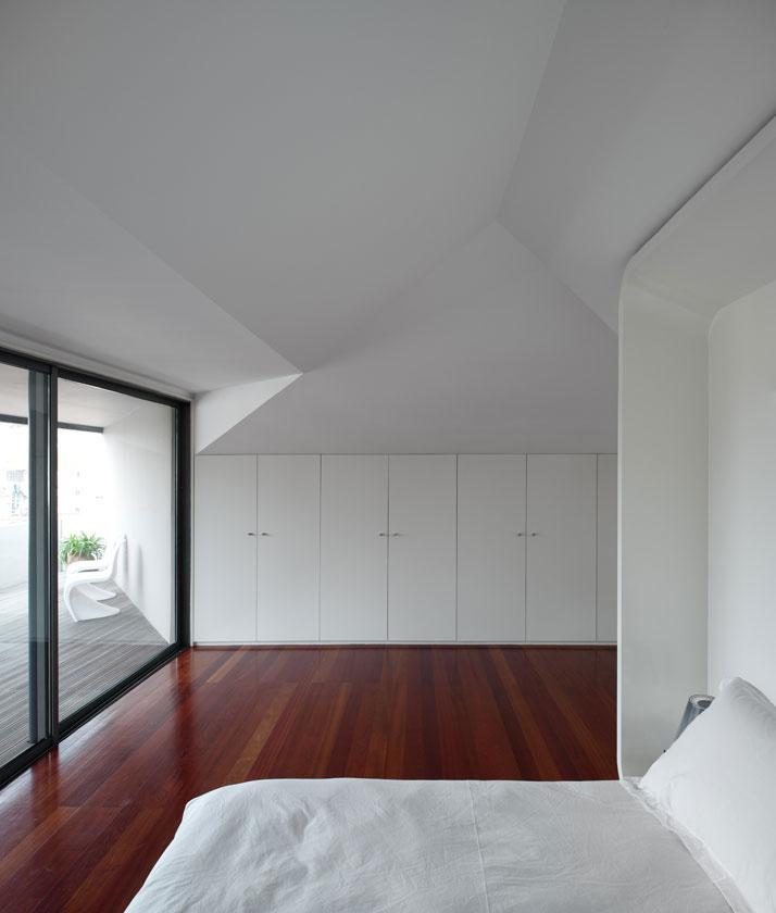 GMG House Pedro Gadanho 20 Multicolor and Contemporary Interior in Portugal