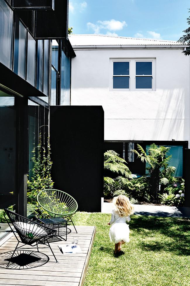 934561 1 lp Modern Melbourne Family Home