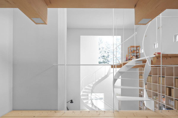minimalfamily13 Super Minimal Family House in Japan