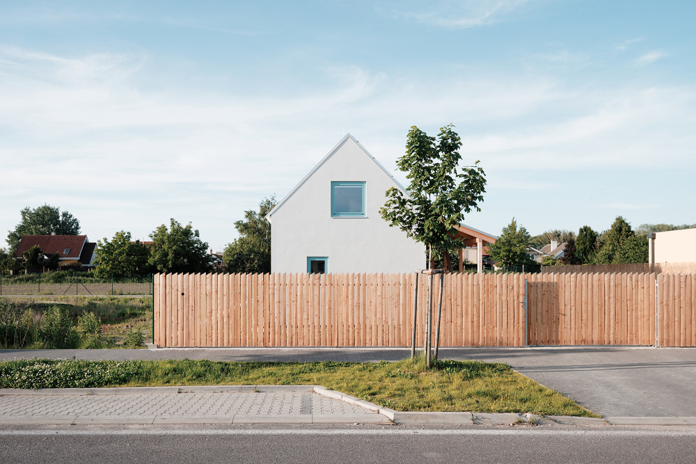 jrkvc1 Simple But With Contemporary Feeling Family House in Slovakia