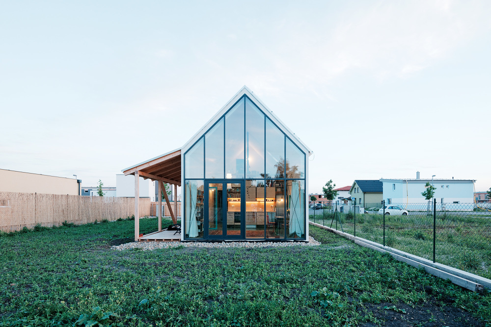 jrkvc16 Simple But With Contemporary Feeling Family House in Slovakia