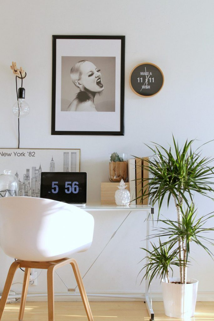 simple scandinavian home workspace 683x1024 Home Office: How To Create A Scandinavian Feeling