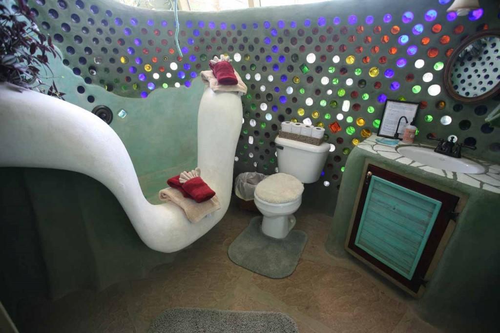 earthship home interior 1024x682 Sutainable Living: Earthships