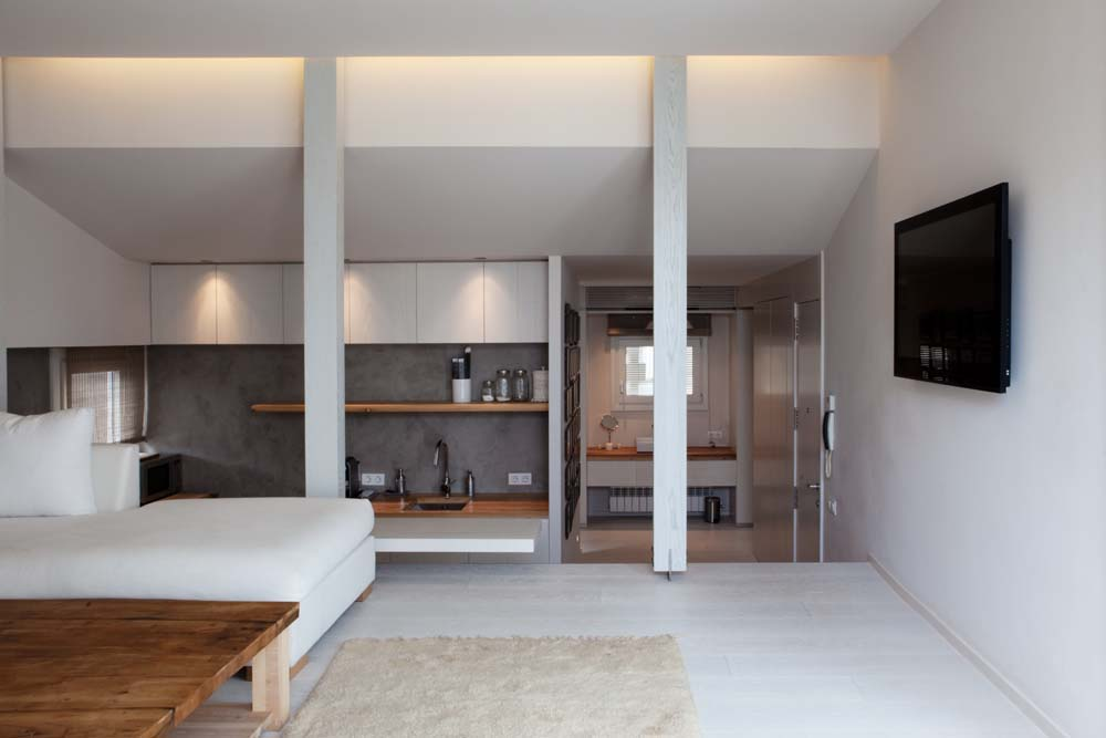 3 Minimalistic Penthouse in Barcelona