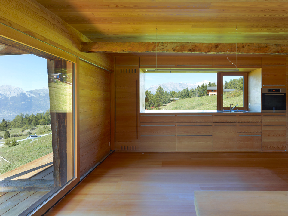 dont judge a book by its cover or how s.fabrizzi architects renovated a cottage in the mountains 13 Dont Judge a Book By its Cover Or How S.Fabrizzi Architects Renovated a Cottage In The Mountains